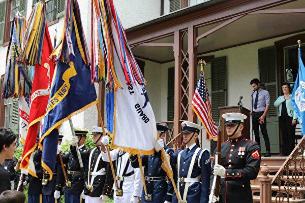 16国儿童在华盛顿林肯别墅宣誓入美国籍