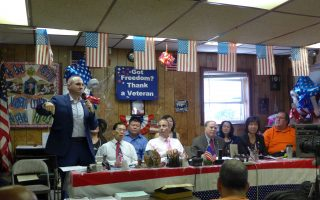 SHSAT辩论升温 社区批市长:玩政治