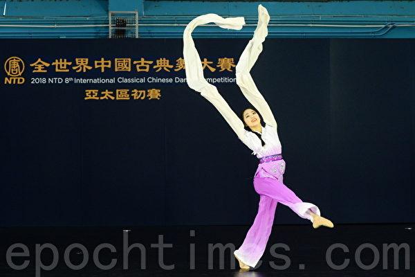 """学中国古典舞 """"假小子""""变端庄淑女"""