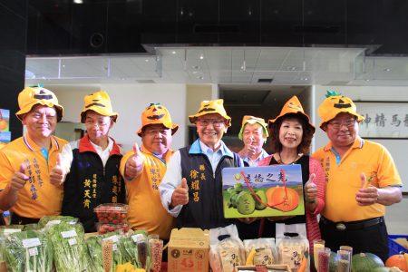 造桥乡的南瓜节开锣了,欢迎大家赏南瓜尝美食。
