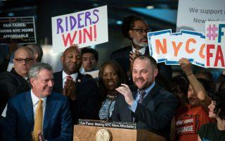半價地鐵票明年初實施 80萬低收戶受益