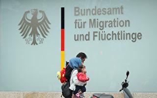 移民立场分裂 默克尔政府面临严重挑战