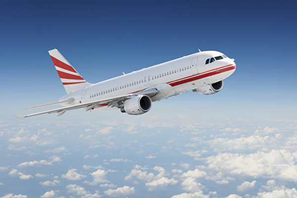 飛機高空飛行中打開艙門 會發生什麼事?