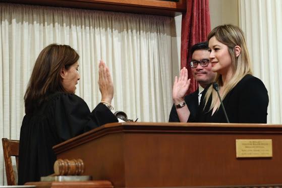 張玲齡宣誓任29區州參議員