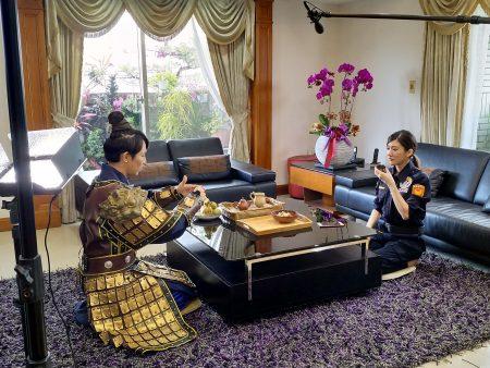 音樂才女林逸欣和3A男神李祐誠聯手拍攝反詐欺影片。
