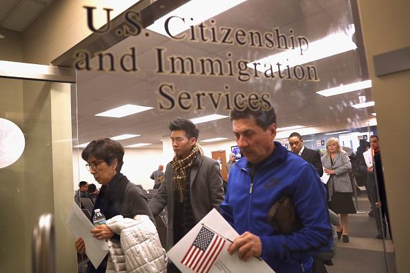 美眾議院通過緊急法案 阻移民局裁員