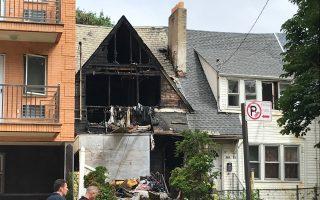 法拉盛41大道闲置屋凌晨大火9伤    起火原因可疑