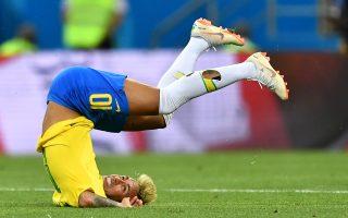 内马尔遭犯规伺候 巴西被瑞士逼平