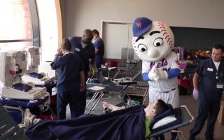 紐約夏季血存量短缺 民眾挽袖捐血