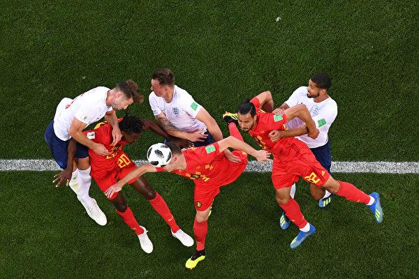 世界杯淘汰赛首轮 八强突围 巴西成大热门