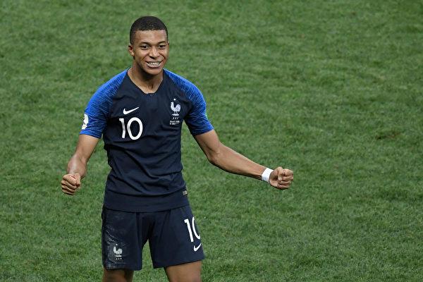 世界足球俱樂部史上 五筆最賺錢轉會