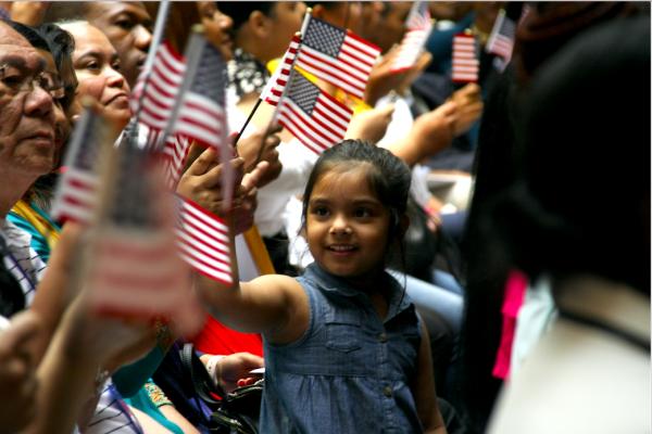 外國人成為美國公民 申請費用將提高83%