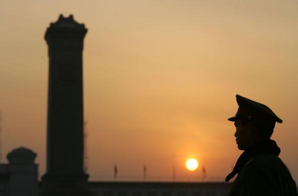 周晓辉:中国人愿意舍小家保中共打贸易战?