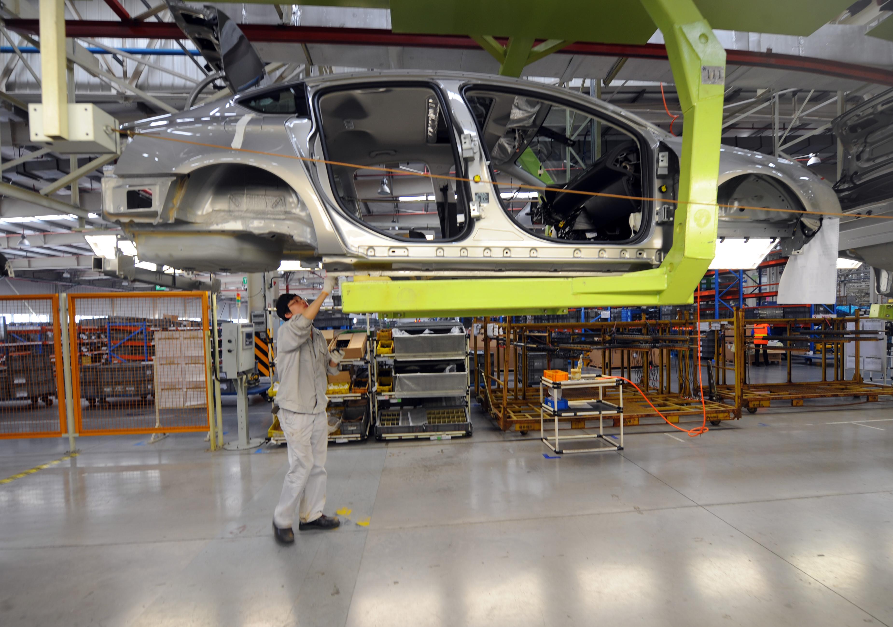 中國汽車銷量20多年來首下滑 今年或跌7%