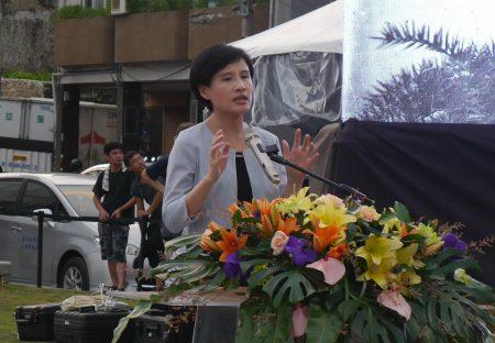 文化部长郑丽君表示,哨船头历史现场重现,找回和海洋的连结。
