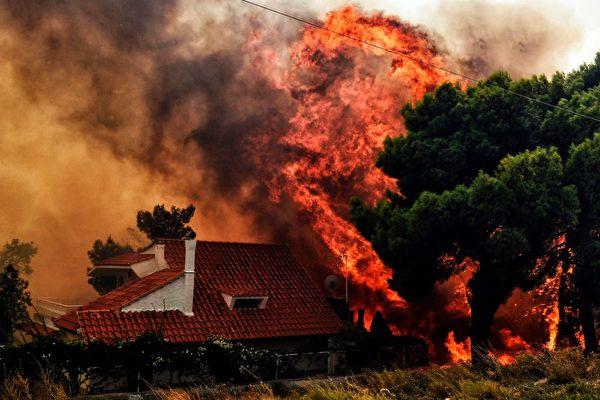 組圖:希臘爆發野火60死 居民跳海逃生
