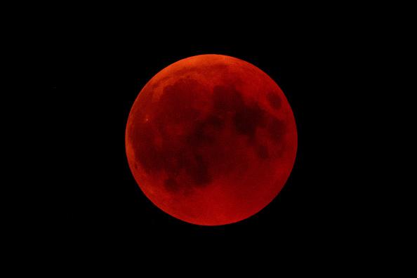 超級血狼月1月上演 盤點明年精彩天文奇觀