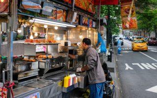 市長鬆口 十年增三千餐車許可