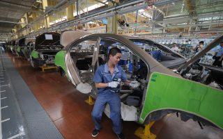 中国芯片危机加重 多家汽车大厂产量减半