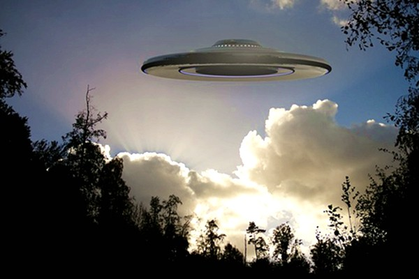 美北卡現UFO?空中神祕物體惹民眾熱議