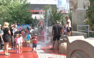 哈德逊河边公园儿童游乐区开放