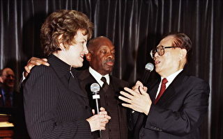 美参议员范士丹与人权恶棍为友 面对良知拷问