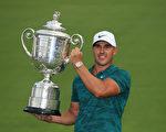 高球PGA錦標賽 科普卡奪今年第二大滿貫