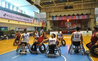 全国分龄篮球锦标赛 轮椅组赢得掌声