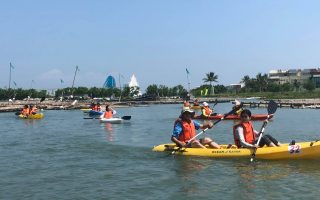 暑期親水體驗 來去布袋划獨木舟