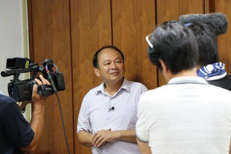 北門國小校長賴雲鵬接受日本電視台採訪