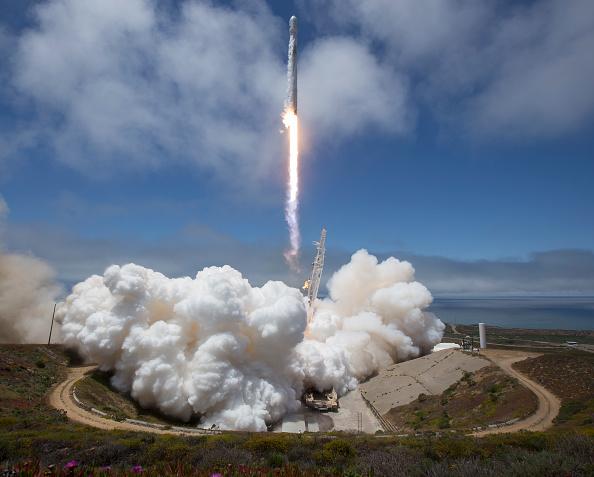 美國國防部長馬蒂斯周二(8月7日)告訴記者,國防部支持建立一個新的太空戰鬥司令部。(Bill Ingalls/NASA via Getty Images)