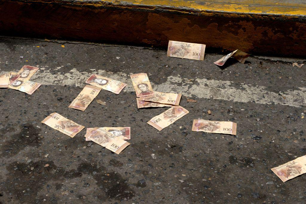 委內瑞拉貨幣貶96% 最低工資漲30倍