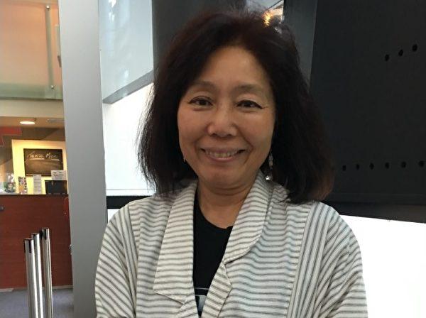 8月3日晚,Chiyo Buston看完纪录片《求救信》后表示,对拍摄者把真相告诉全世界的勇气很钦佩。(余天白/大纪元)