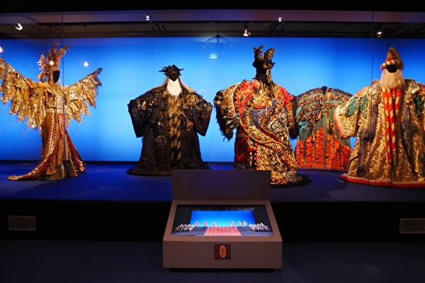 组图:法国戏服博物馆收藏上万件珍品