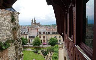 神奇豪宅 隐身百年再现法国贵族生活传奇