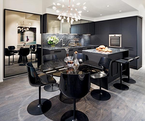 室內色彩風格獨特,提供三種色系供選擇,包括高貴的白色系列、成熟的褐色系列、以及時尚的黑色系列,尤其以酷炫的黑色主題凸顯出SHAPE與眾不同的視角。