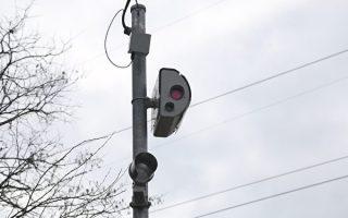 卑省35路口启用自动相机 抓拍超速车辆
