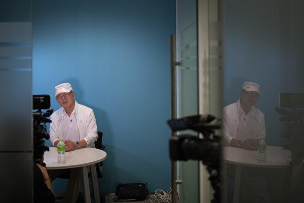 前韓國情報員自稱身藏錄音機去見金正日