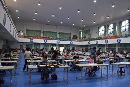 中区国税局员林稽征所举办书法创意赛。