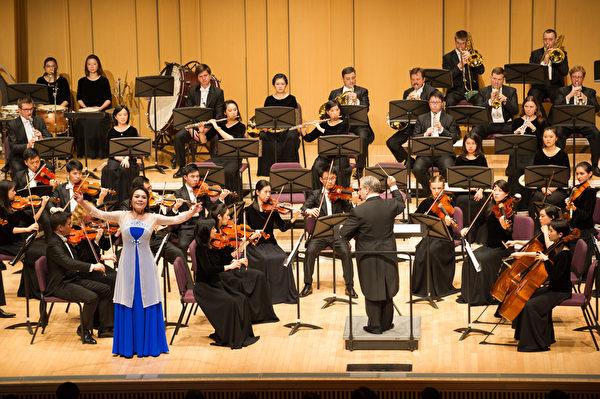 2018年9月14日晚,神韻交響樂團於屏東演藝廳舉行演出。(羅瑞勳/大紀元)