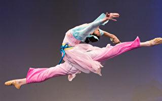 中国古典舞大赛高手云集 50选手晋级复赛