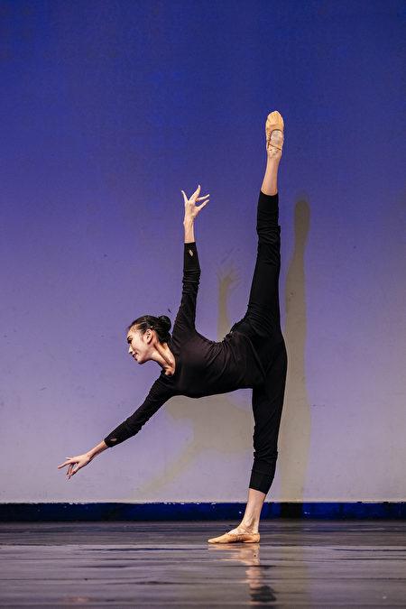 """第8届""""全世界中国古典舞大赛""""青年女子组金奖得主连旭。(爱德华/大纪元)"""
