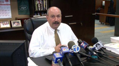 纽约消防员协会主席 James A. Lemonda表示,在911救援中后续丧生的消防员已经增加至177位。