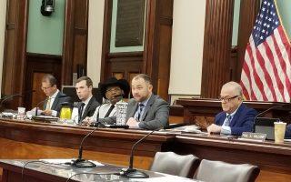 出租車/電召車司機法案公聽  正反方爭議熱烈