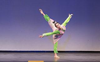 組圖:中國古典舞大賽複賽 青年女子組風采