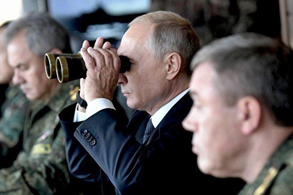 习近平缺席俄中军演回国的背后玄机