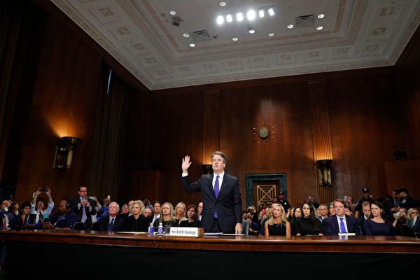 卡瓦诺听证会 法律博士批评参议员范士丹