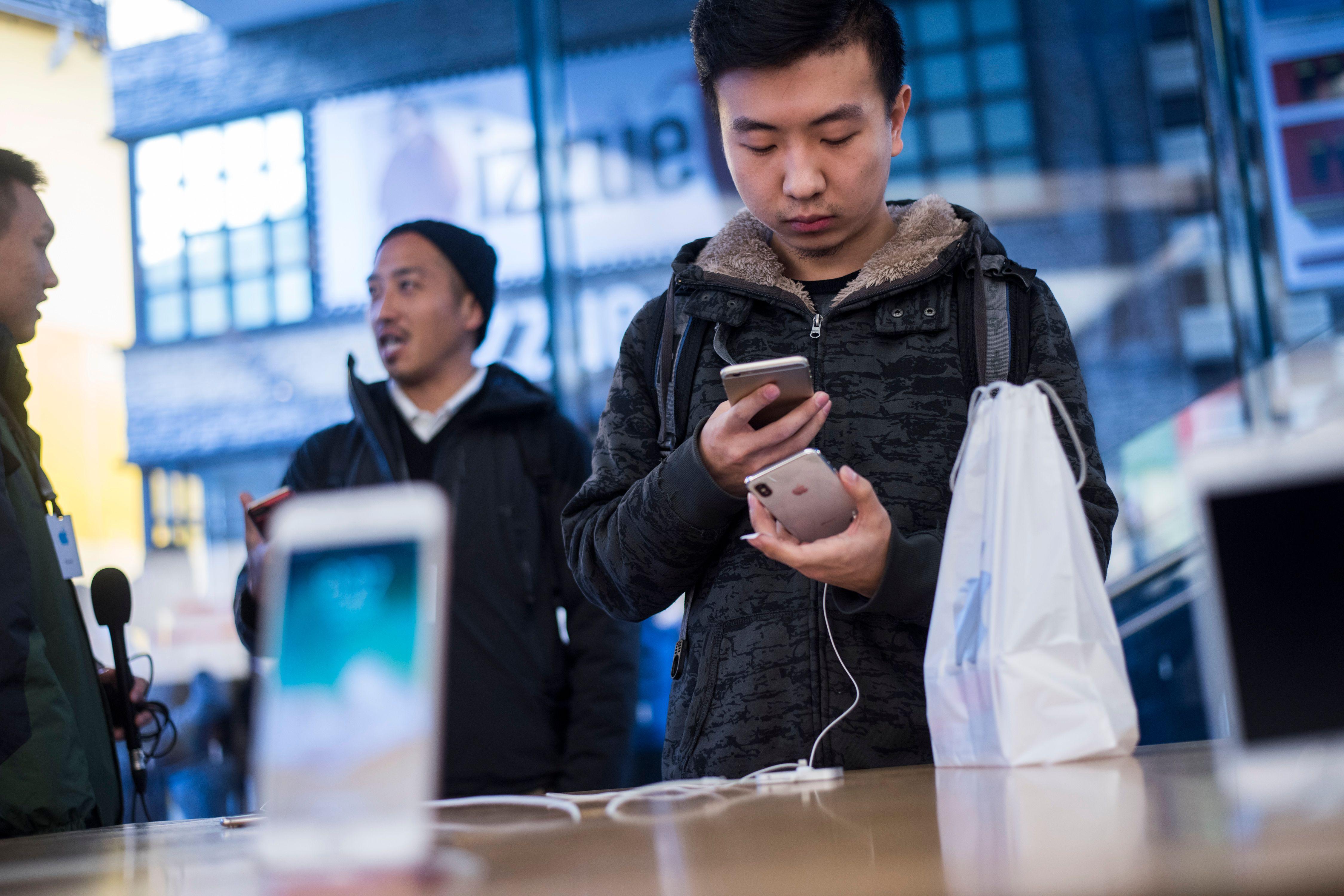 中國市場eSIM功能消失 蘋果被指向中共屈服
