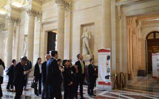 郑丽君访法国民议会  寻求文化交流支持