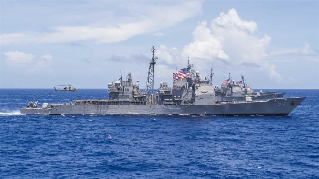 美日印菲四國軍艦 首度聯軍航行南海